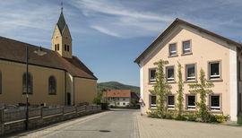 BRA-Riedenberg-1 Kirche & Schule